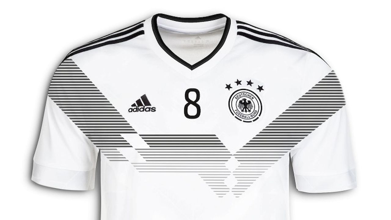 dfb spielt 2018 mit retro weltmeister trikot. Black Bedroom Furniture Sets. Home Design Ideas